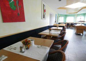 hotel-sternen-bookingcom-fruehstueck-02