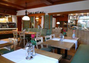 hotel-sternen-bookingcom-restaurant-03